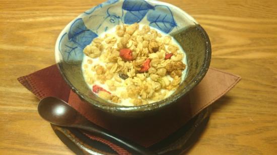 忙しい朝に、豆乳グラノーラ